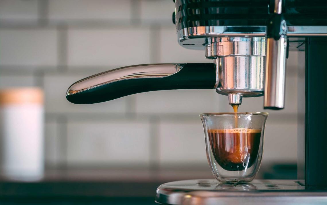 macchina con erogazione di espresso 4th wave of coffee
