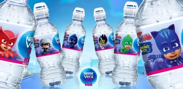 Le nuove etichette delle bottigliette di acqua Nestlé Vera Kids PJmasks