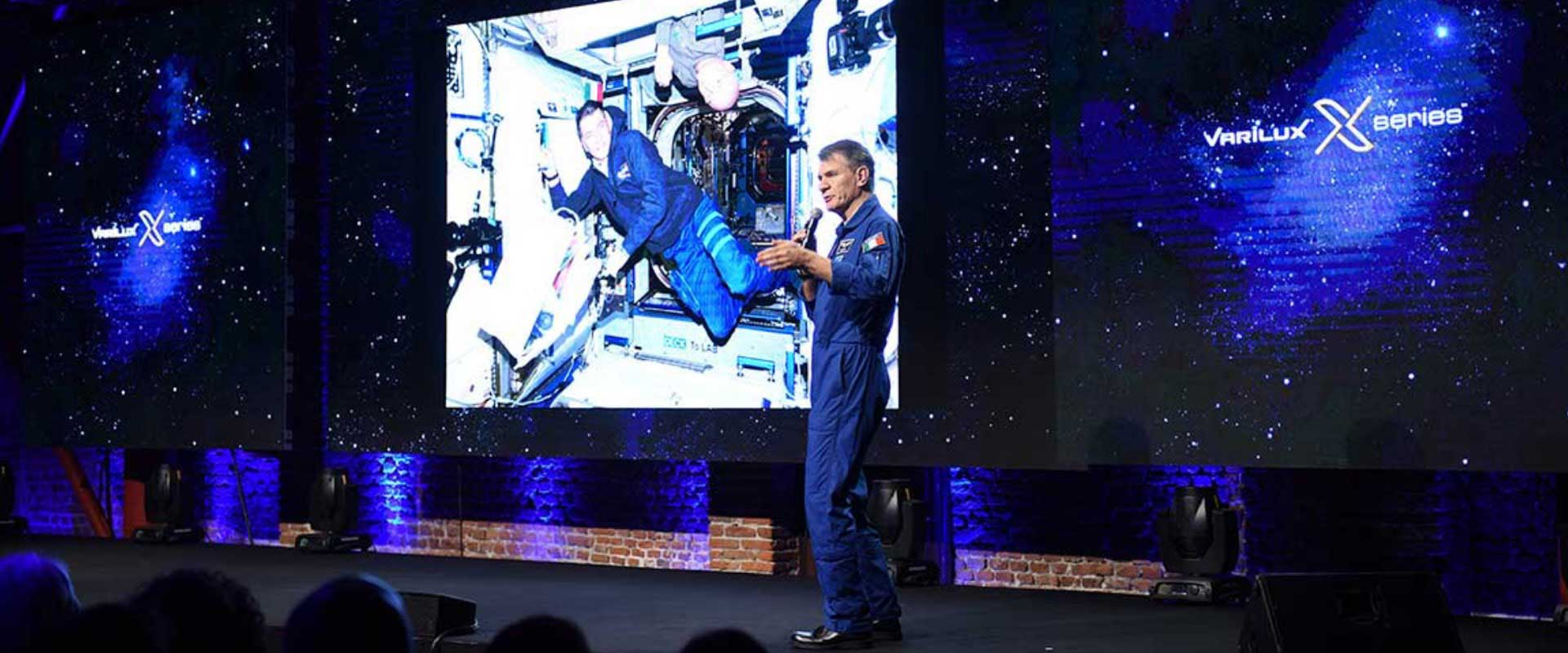 Paolo Nespoli convention evento lancio Varilux x-series Essilor